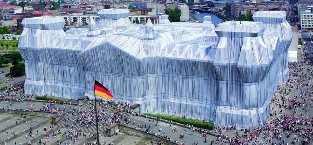 ju_christo_wrapped_reichstag_exh_pr_03